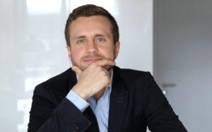 Mateusz Czarnecki psychoterapeuta,couch, warszawa, Ośrodek Psychoterapii M.Czarnecki & Co